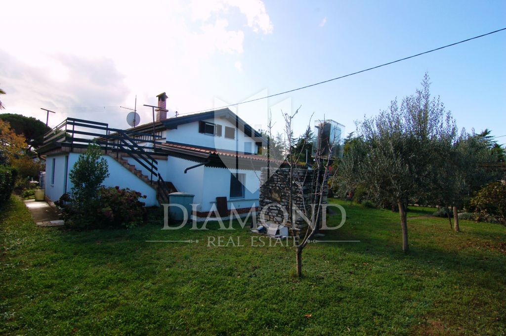Umag- House with large garden 200 m from the sea