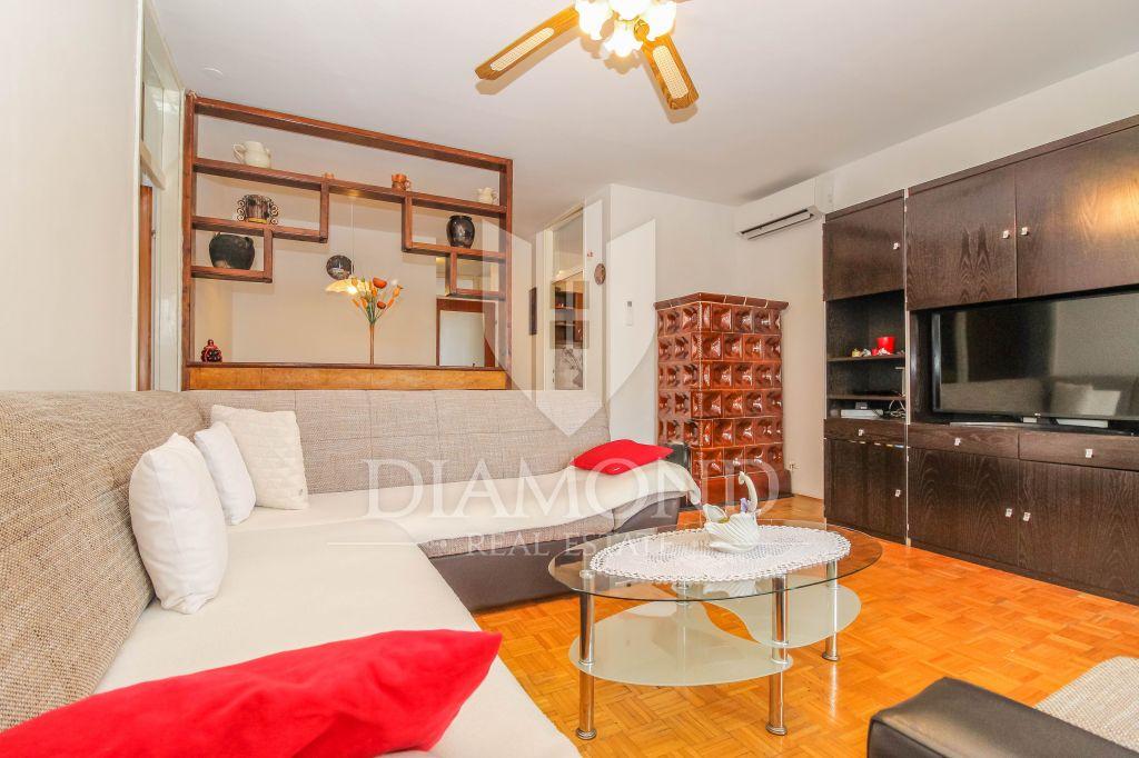 Parenzo, appartamento con tre camere da letto a 400 metri dal mare