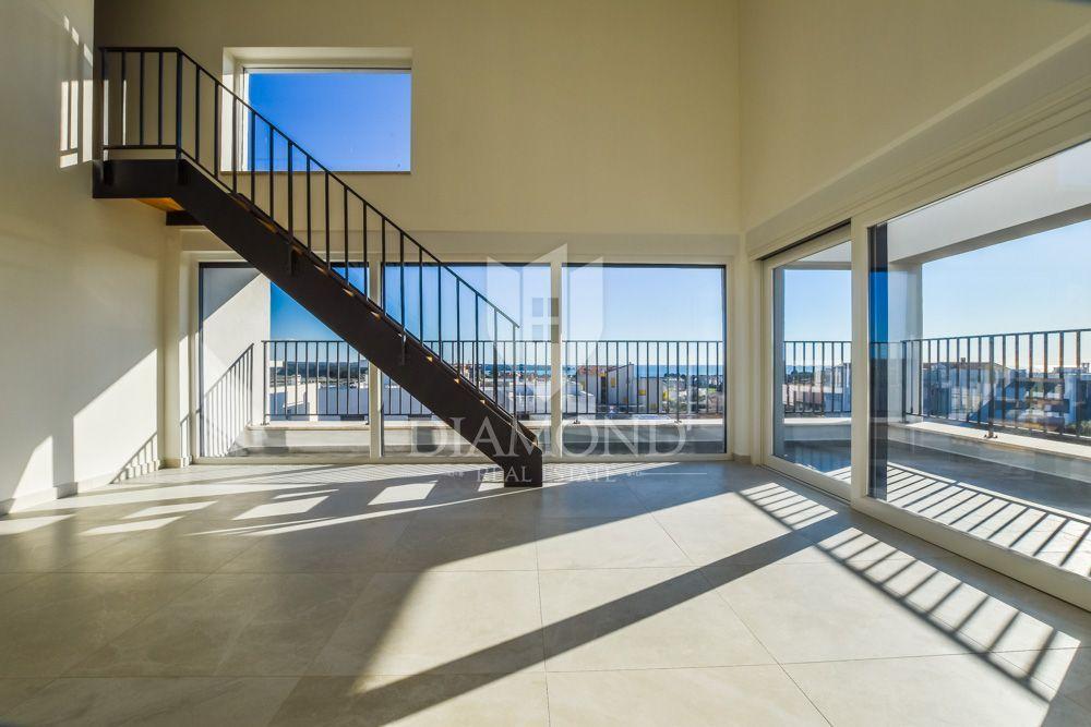 Opportunità! Appartamento a Novigrad con vista sul mare