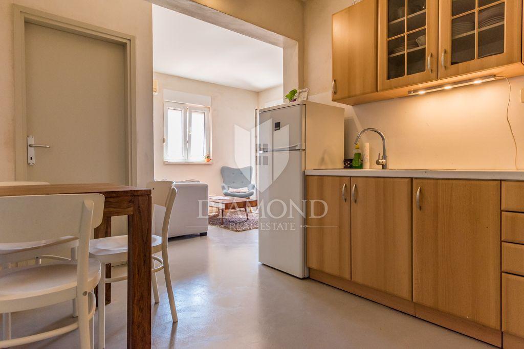 Opportunità! Appartamento con vista mare a Novigrad