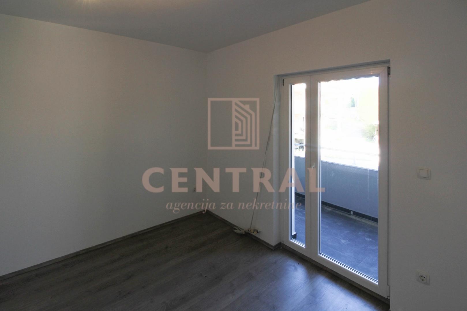 Viškovo, dvoetažni četverosoban stan s dnevnim boravkom, 101 m2