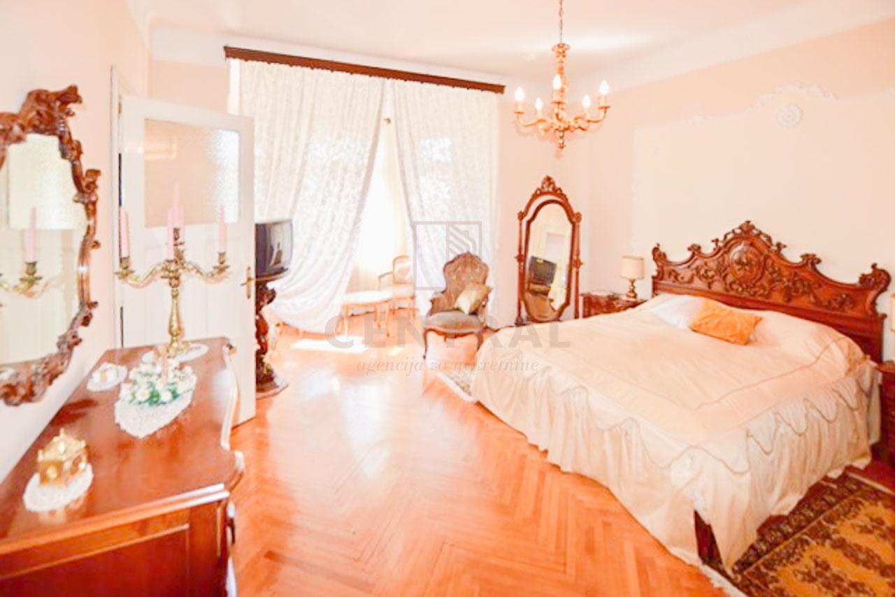 Škurinje, dvosoban stan s dnevnim boravkom, 89 m2