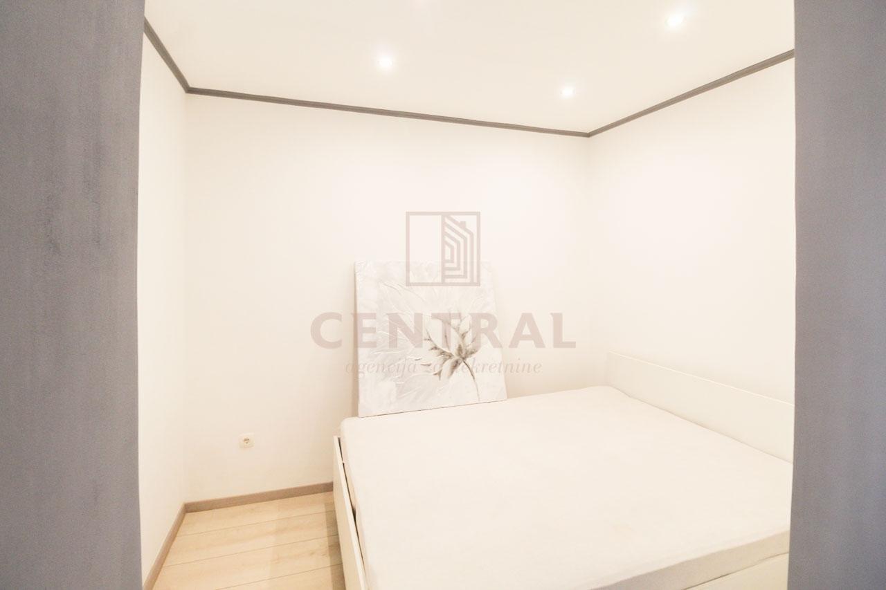 Zamet, dvosobni stan s dnevnim boravkom, 55 m2