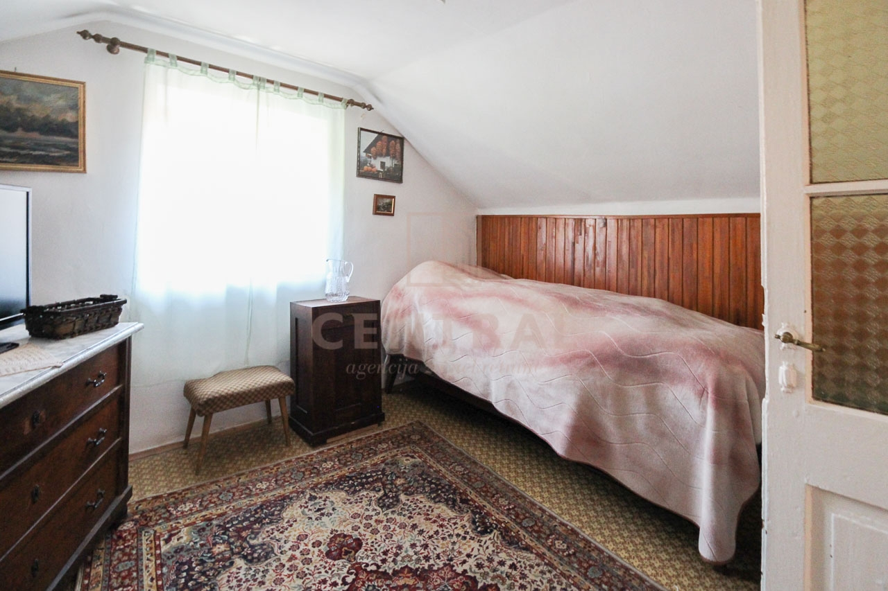 Bakar, dvoetažni stan, 250 metara od mora