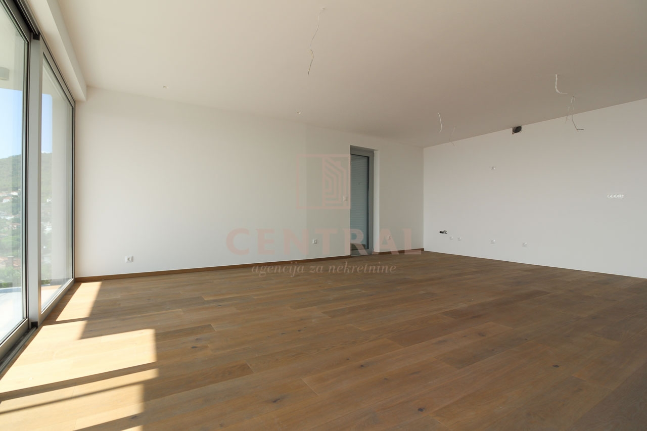 Opatija, stan 2S+DB u novogradnji 136 m2, s pogledom na more!