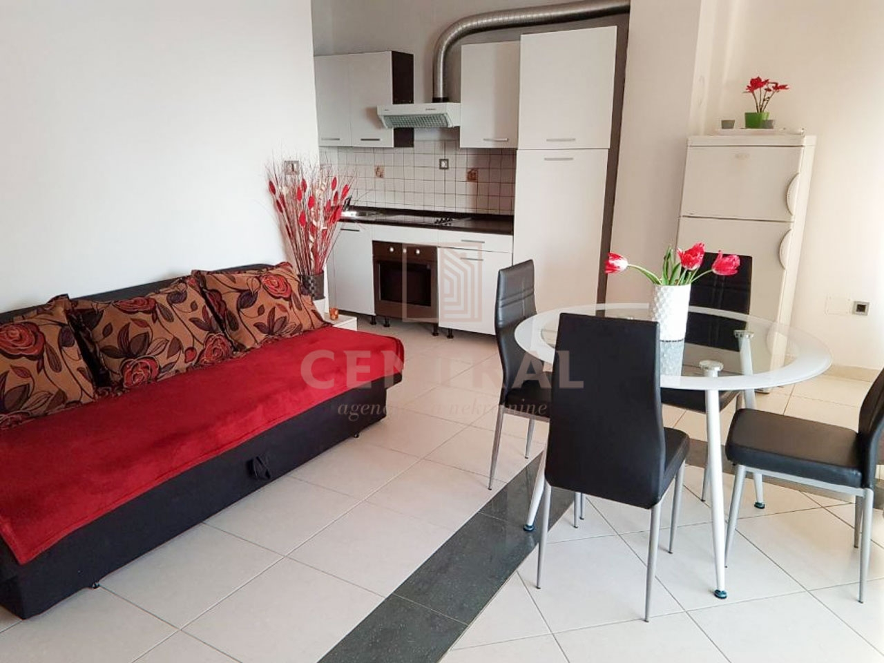 Crikvenica, dvosoban stan s dnevnim boravkom, 50 m2