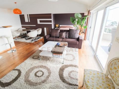 Volosko, etaža s dva stana, 187 m2