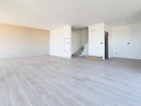 Porat, Malinska, trosoban stan s dnevnim boravkom, 156 m2