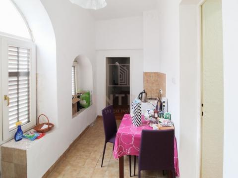 Centar, stan 2S+DB / poslovni prostor, 82,05 m2