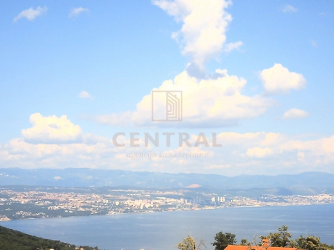 Oprić - okolica Opatije, kuća s bazenom i pogledom na more, 269 m2