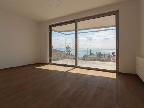 Opatija, stan 3S+DB u novogradnji 103 m2, s pogledom na more!