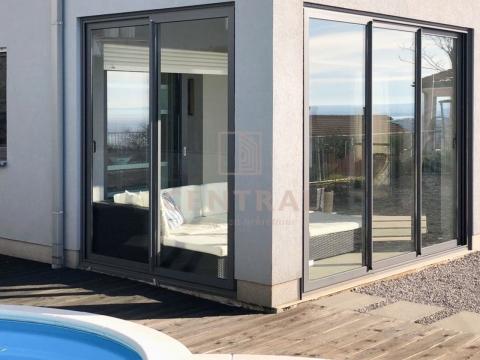 Kostrena, trosoban stan s dnevnim boravkom 134m2, s bazenom!