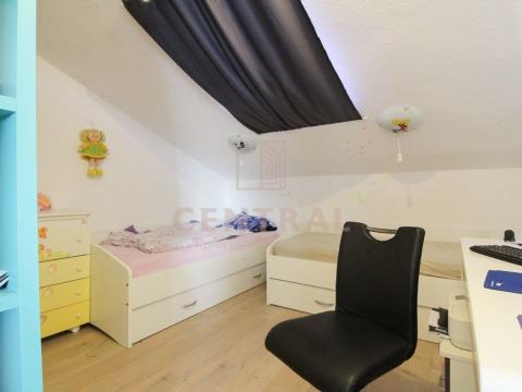 Crikvenica, kuća sa 7 apartmana, 313 m2