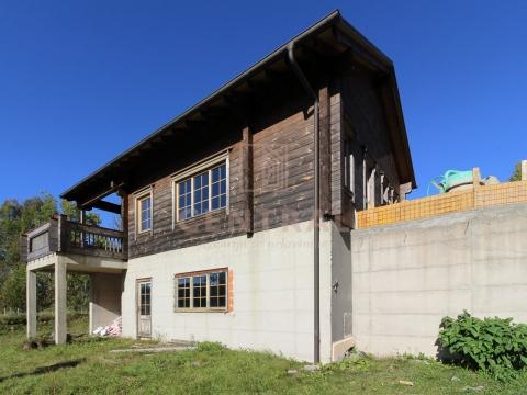 Fužine, kuća 192 m2 s 3625 m2 zemljišta
