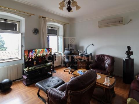 Belveder, dvosoban stan s dnevnim boravkom 80 m2