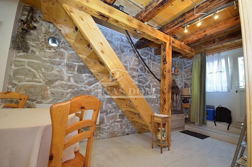 Šibenik, Raslina- Kamena adaptirana kuća