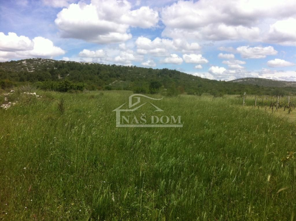 Vodice- Poljoprivredno zemljište 6266m2