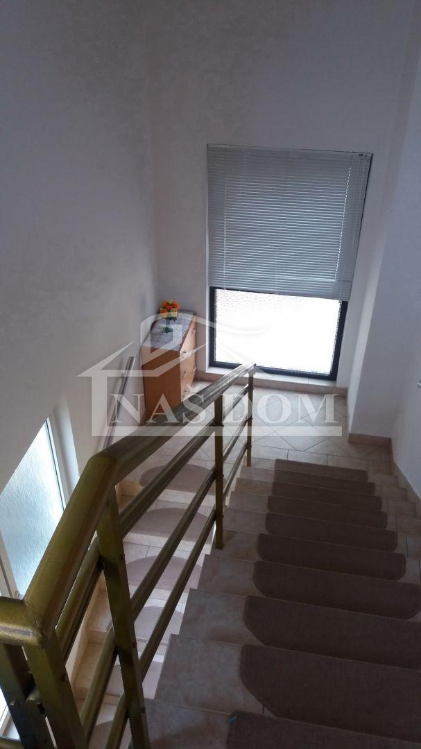 Vodice- Kuća sa dvije stambene jedinice 282,08m2