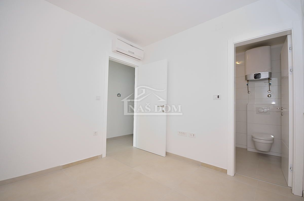 Srima- luxuzni apartman 70 m do mora