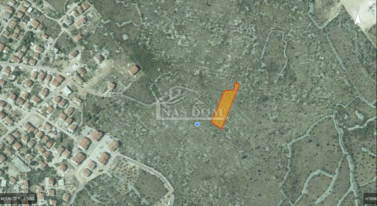 Vodice - Građevinsko zemljište 2500m2