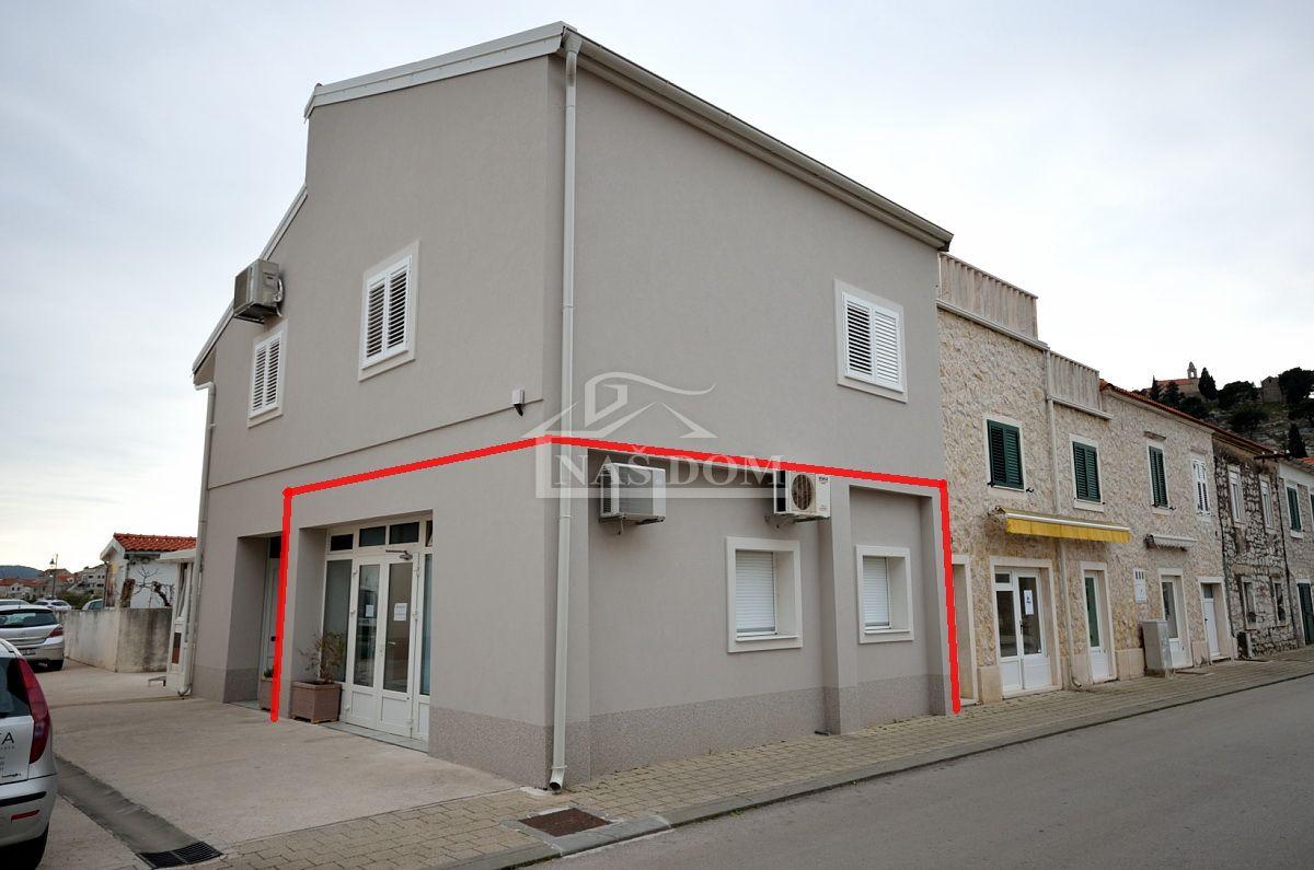 Tribunj- centar poslovni prostor 49,85 m2