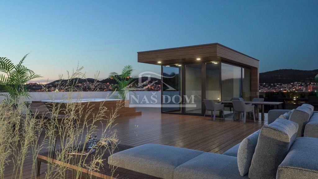 Vodice- Penthouse sa krovnom terasom