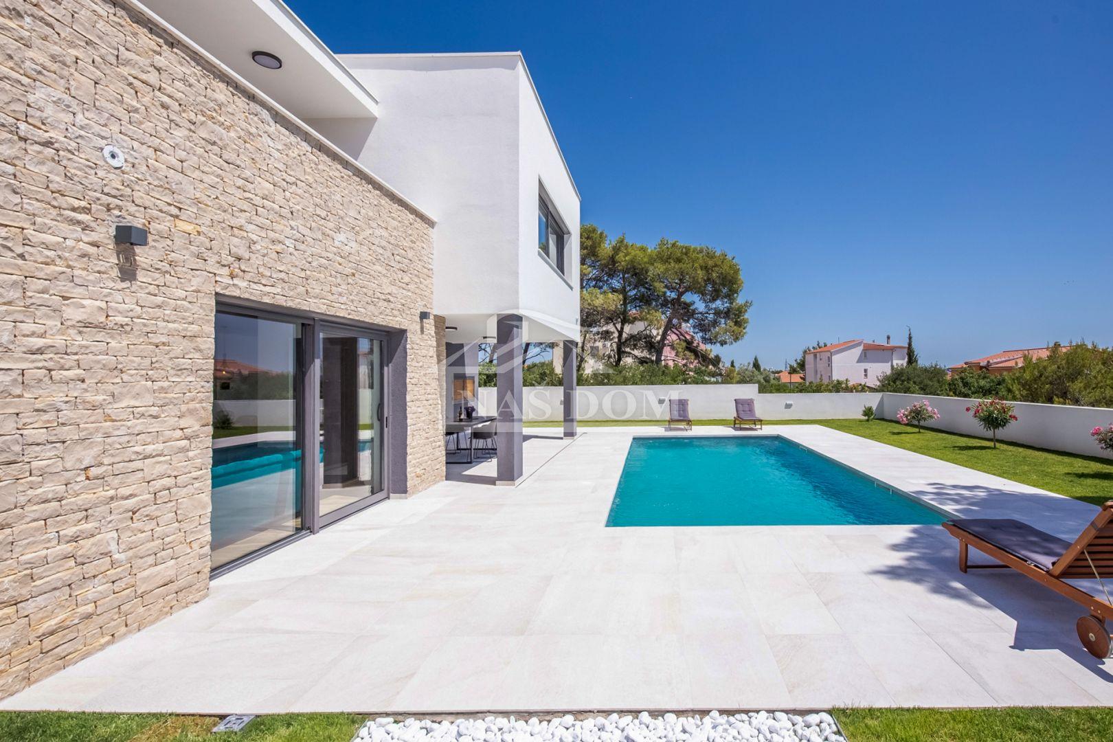 Vodice - Prekrasna luksuzna villa, na mirnoj lokaciji
