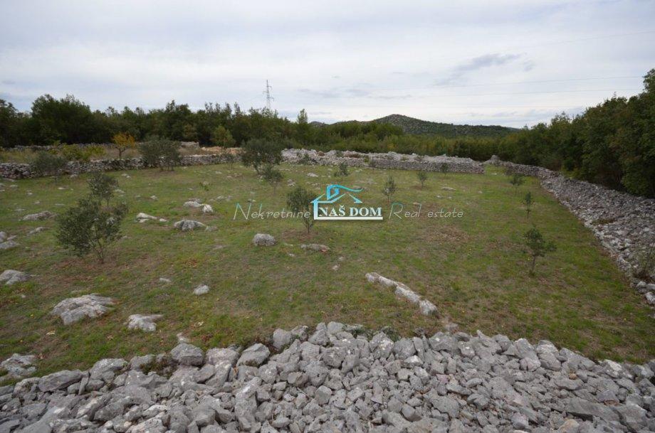 Poljoprivredno zemljište, Vodice, 12000 m2