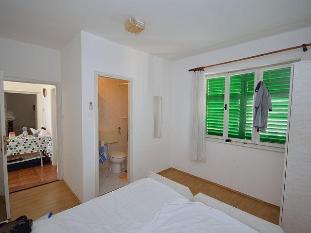 Vodice- Apartmanska kuća u centru Vodica