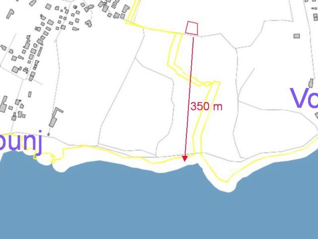 Vodice- Zemljište 950m2 350m do plaže
