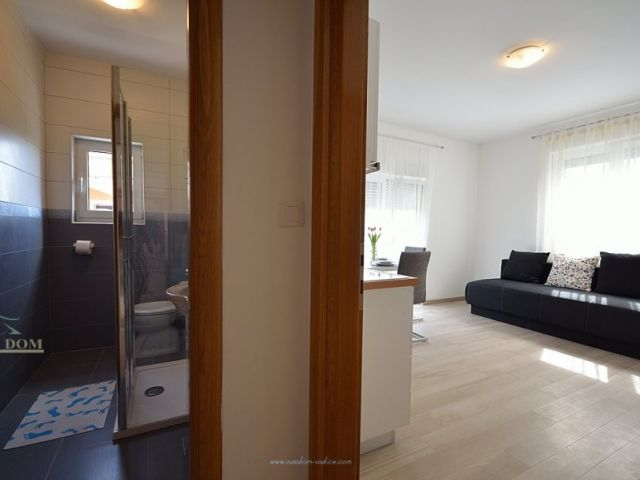 Kuća katnica, 350 m2 sa 6  apartmana- SNIŽENO