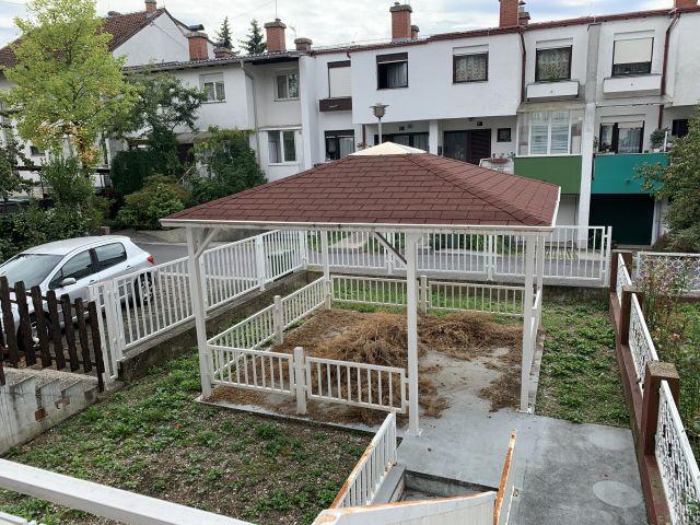 Kuća u nizu sa vrtom