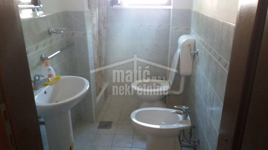Kuća: Zečevo Rogozničko, dvokatnica, 370 m2 za 260.000 E-POVOLJNO