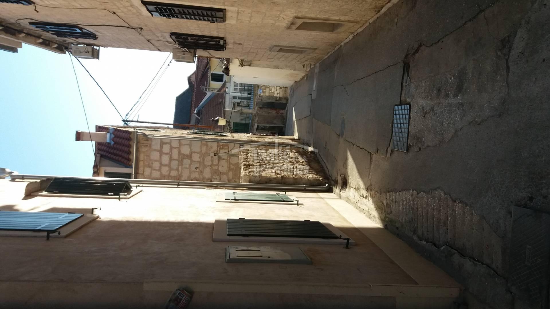 Split-VAROŠ 2x32m-uređeno za turizam