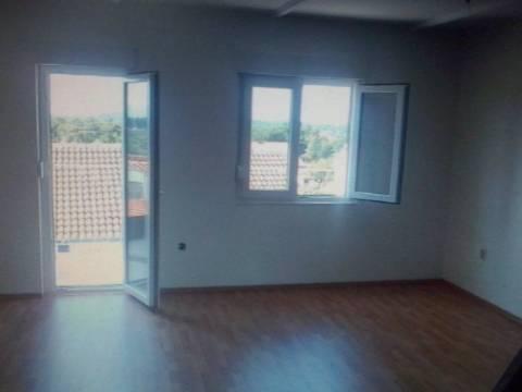 Stan: Milna, 44 m2-dvoetažni, uređen za 49.900 E