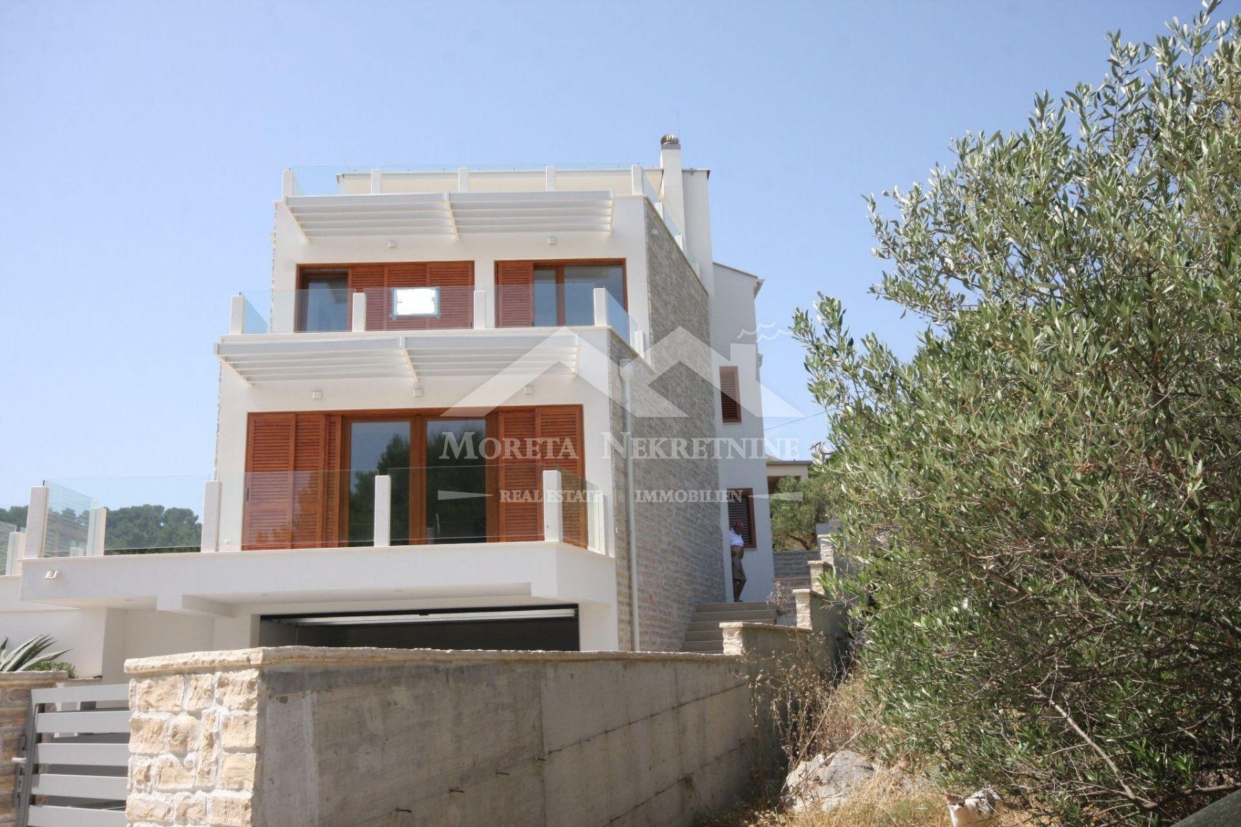 Betina, neue Doppelhaushälfte 50 Meter vom Strand entfernt