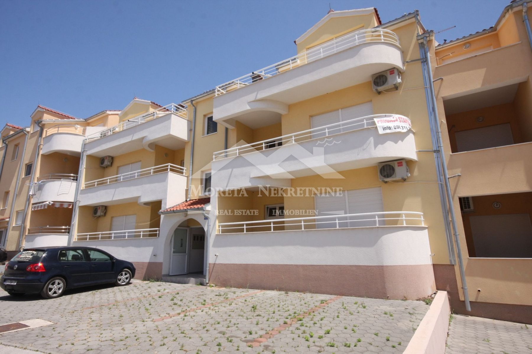 Vodice, comfortable two bedroom apartment on the ground floor