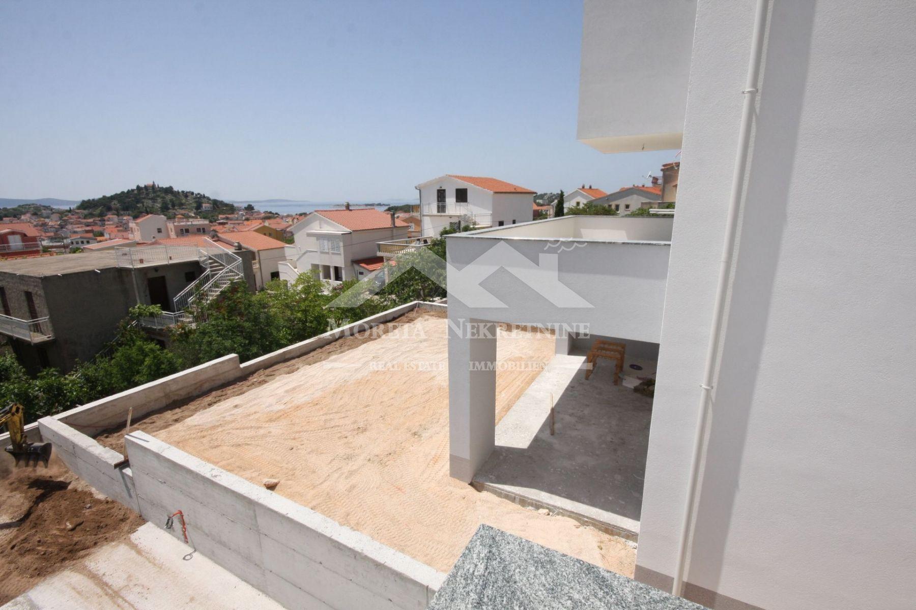 Tribunj, nova dvojna kuća s pogledom na more