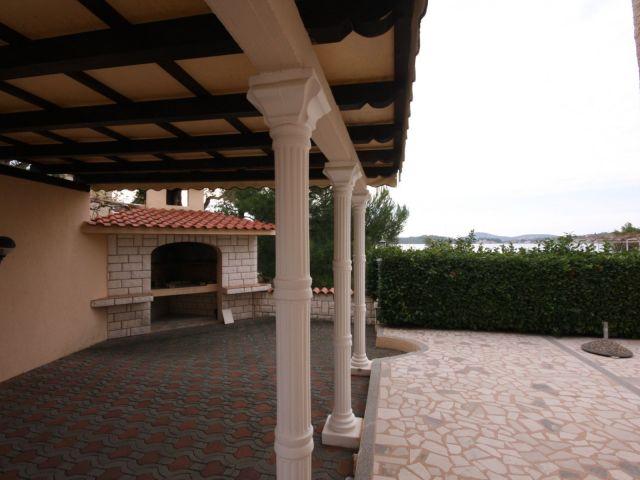 Srima, luksuzna kuća s pogledom na more