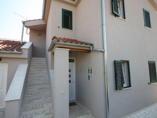 Srima, nova obiteljska kuća blizu mora