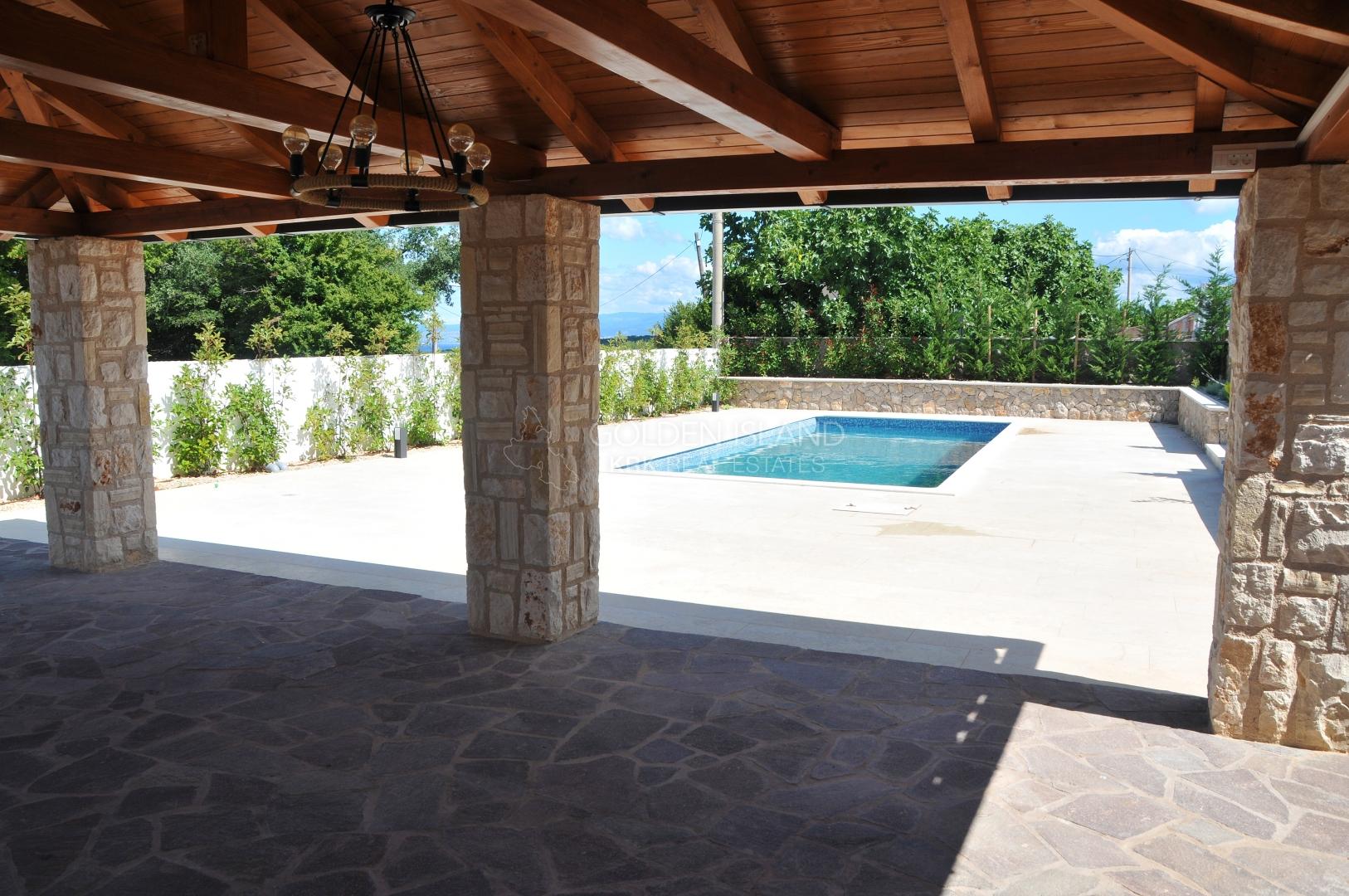 Malinska- okolica, kuća sa bazenom