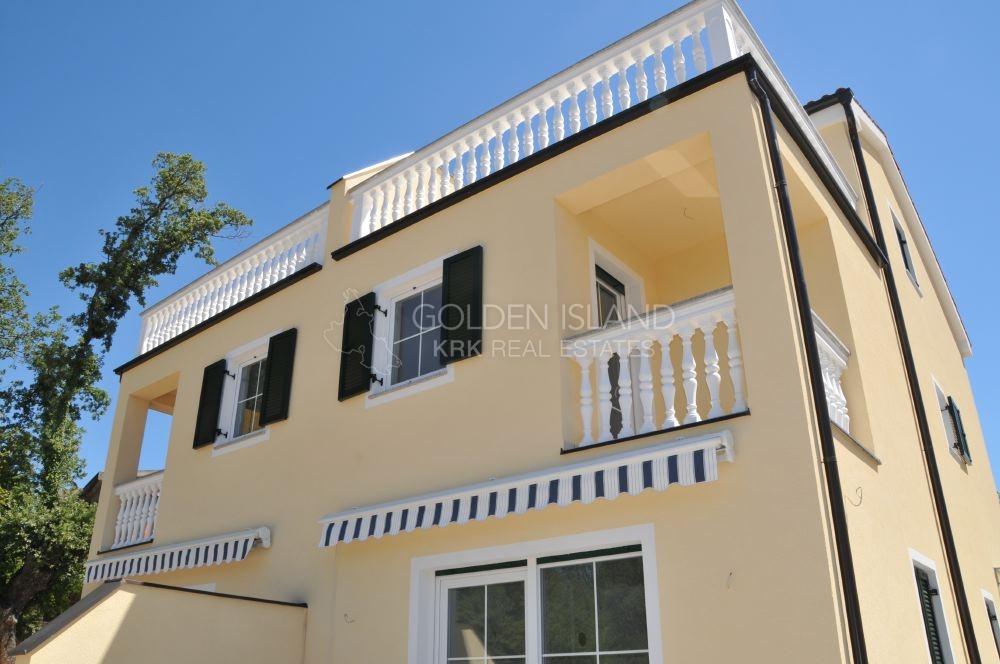Malinska, kuća sa lijepim pogledom, mrna ulica!