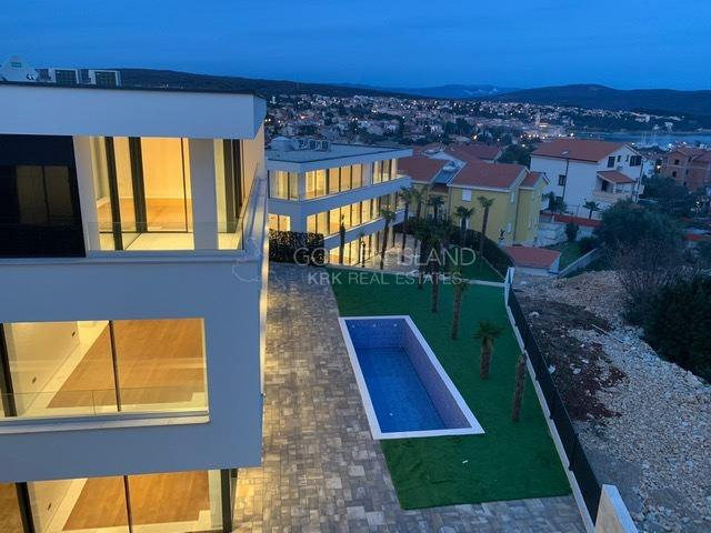 KRK Luksuzan stan! pogled na more!