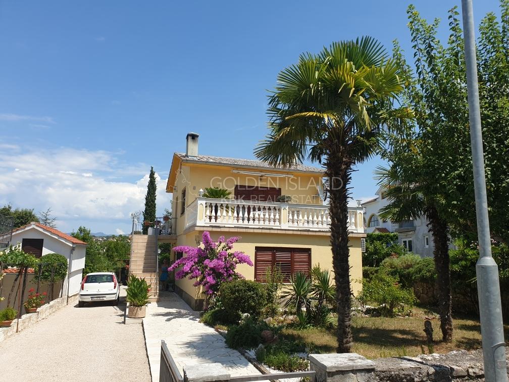 Malinska, lijepa kuća, povoljno!