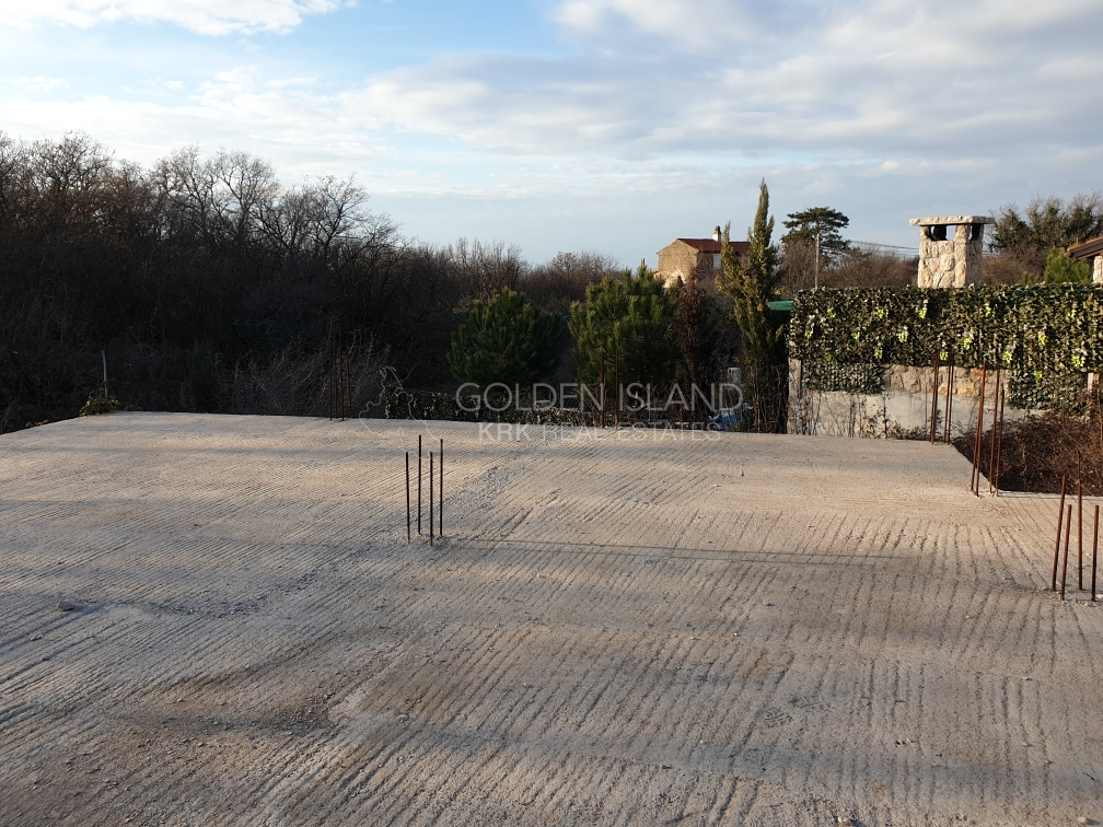 Otok KRK ,započeta gradnja za Villu sa bazenom!!
