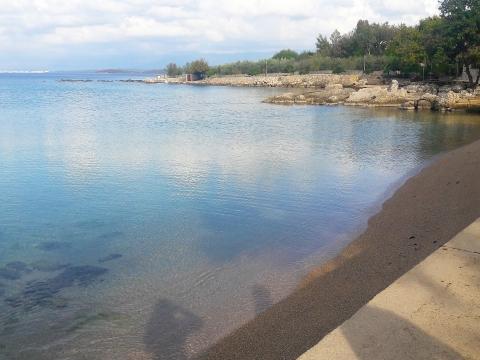 Otok KRK, ekskluzivna i rietka lokacija, 70 m od mora !