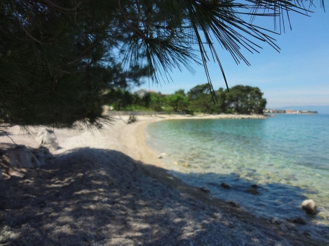 Malinska-Rova novogradnja na elitnoj lokaciji sa fantastičnim pogledom na more!