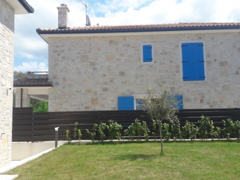 Malinska- kamena kuća sa bazenom
