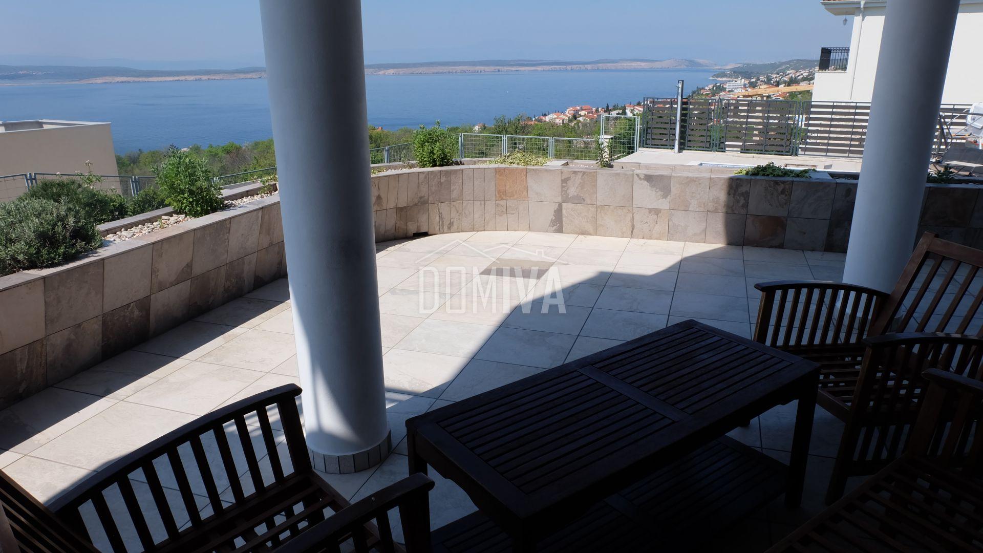 Prodaje se nova kuća sa bazenom