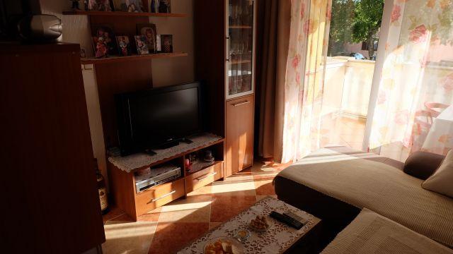 Apartman kompletno namješten sa pogledom na more